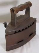 Утюг старинный угольный 19-20 век №7245